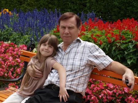 Мой отец Генадий Корнилов с моей дочкой Анной