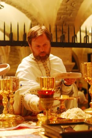 В Бари - Литургия на мощах Святителя Николая